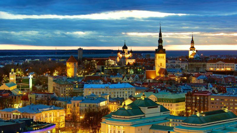 एस्टोनिया कंपनी बनाने कंपनी एस्टोनिया निर्माण कंपनी के बैंक खोलने के बैंक खाते में एस्टोनिया का प्रभुत्व है